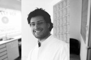 odontologo-especialista-invisalign-barcelona-carlos-gutierrez
